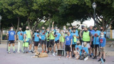 Kansat ja ikäryhmät sulautuvat iloiseksi yhteisöksi liikunnan avulla.
